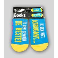 """Grappige sokken met tekst """"ik ben niet arrogant"""""""