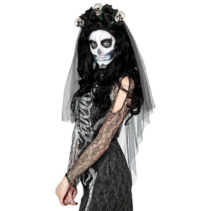 Doodskop en zwarte rozen bruidssluier